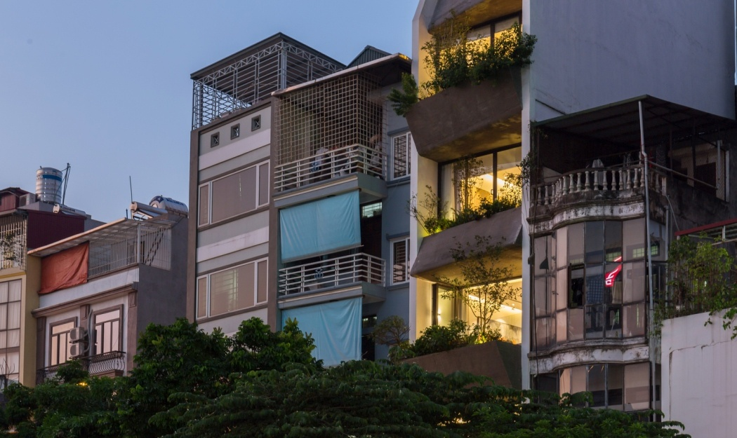 Live Work Townhouses Are Very Popular For Multi Generational Living In Vietnam Here S A Great Example Of How They Can Be Renovated